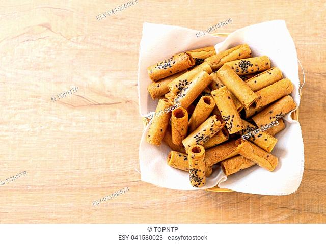 Thai crispy coconut roll - Thai dessert snack