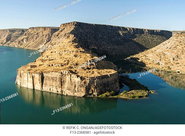 Ancient rocks and old human site in Southeast of Turkey, Halfeti