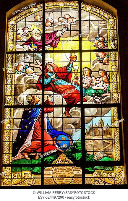 Basilica Kiing Christ Sacret Heart Stained Glass Church Saint Louis En L'ile Church Paris France. Saint Louis En L'ile church built in Notre Dame was built in...