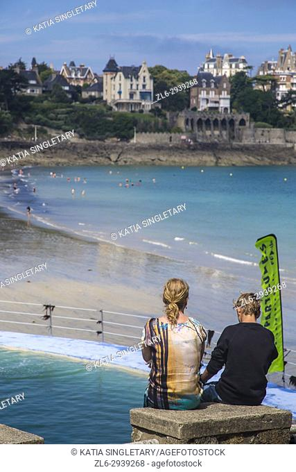 Lagoon like pool in the cote d'emeraude along the beach in Dinard, Brittany, France. We can see the beautiful houses, manors