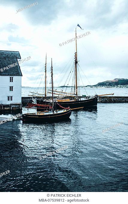 Norway, Møre og Romsdal, Ålesund, harbour