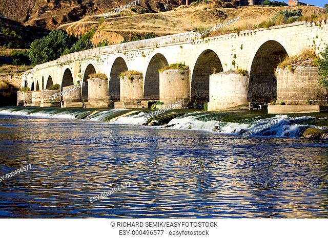 Roman bridge, Toro, Zamora Province, Castile and Leon, Spain