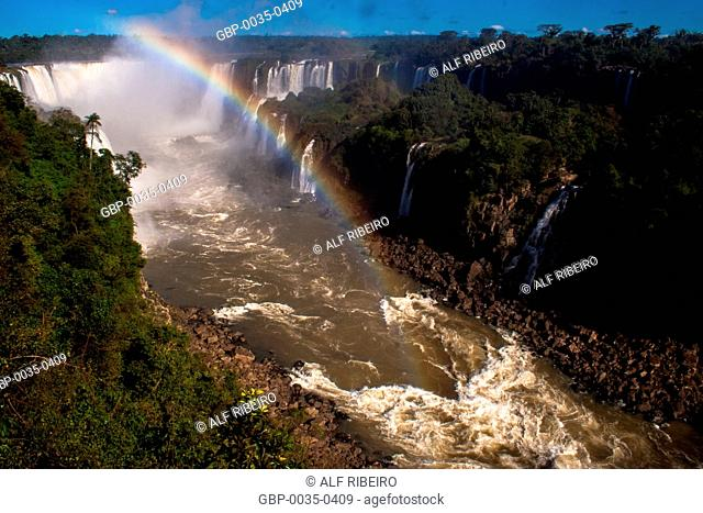 Iguaçu National Park; Waterfalls of Iguaçu; Foz do Iguaçu; border between Brazil and Argentina