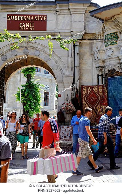 Turkey, Istanbul, district of Beyazit, gate of Nuruosmaniye mosque which access to the Grand Bazaar