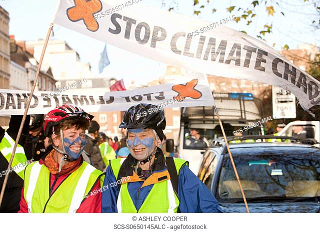 On Saturday 5th December 2009, the Stop Climate Chaos Coalition organized the Wave A demonstration against climate change that attracted 50,000 people