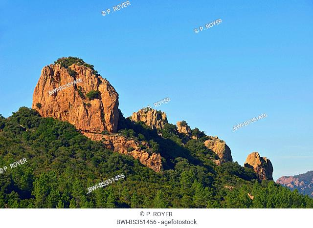 Esterel coast and the rock called Dent de l'Ours, France, Saint Raphael