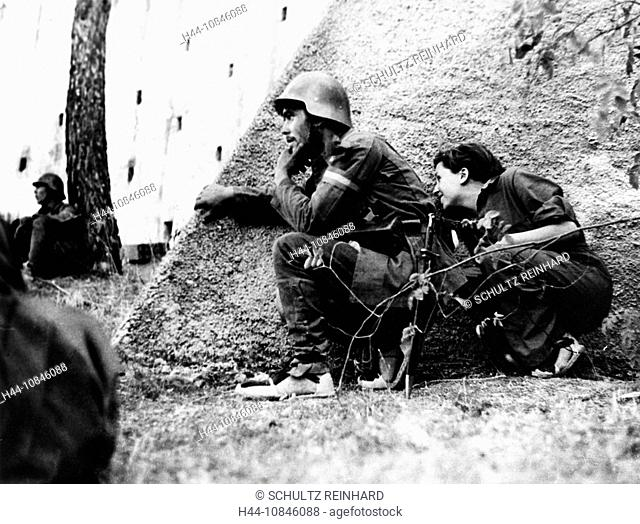 Gerta Taro, photographer, Spanish Civil War, Spain, Europe, war, Robert Capa, army, military