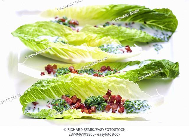 Roman salad with bacon