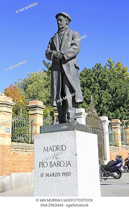 Statue of writer Pío Baroja y Nessi 1872-1956, near Retiro Park, Madrid, Spain