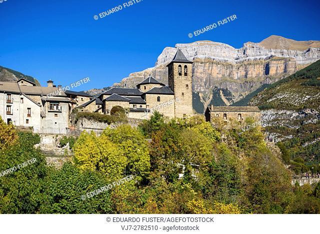 Torla with Ordesa & Monte Perdido in the background (Huesca, Spain)
