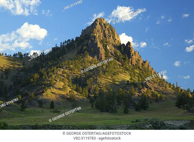 Rocky peak, Missouri River Recreation Road, Montana