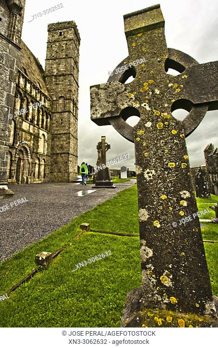 Cemetery, Rock of Cashel, Cashel of the Kings and St. Patrick's Rock, medieval fortress, Cashel town, County Tipperary, Ireland, Europe