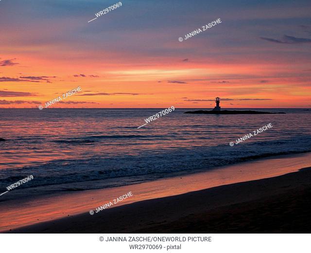 Thailand, Chang Wat Phang-nga, Tambon Khuekkhak, sunset over the lighthouse
