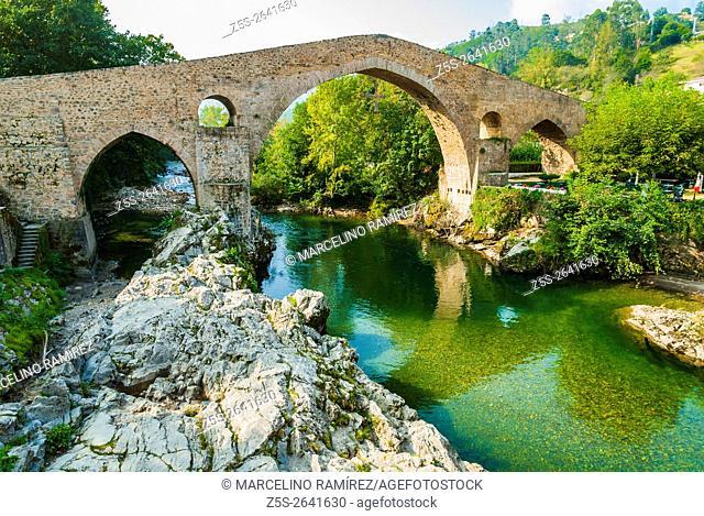"The hump-backed """"Roman Bridge"""" on the Sella River. Cangas de Onis, Asturias, Spain"