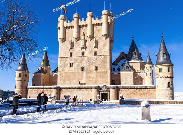 Alcázar de Segovia con nieve. Castile-Leon, Spain