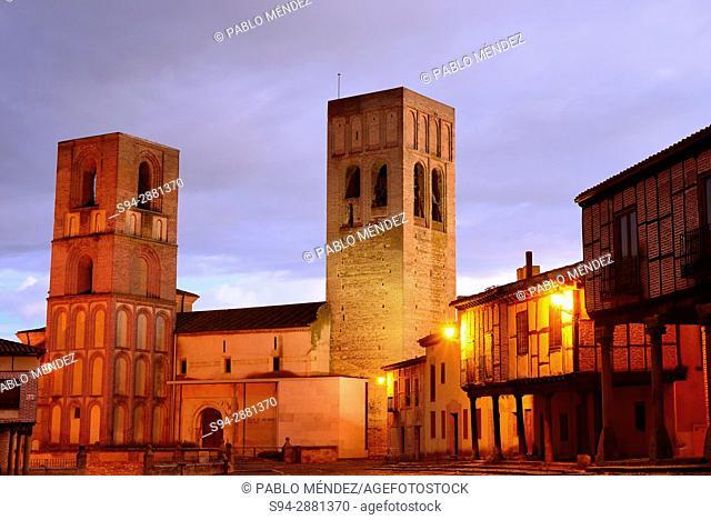 Church of San Martin. Plaza de la Villa or Main square of Arevalo, Avila, Spain