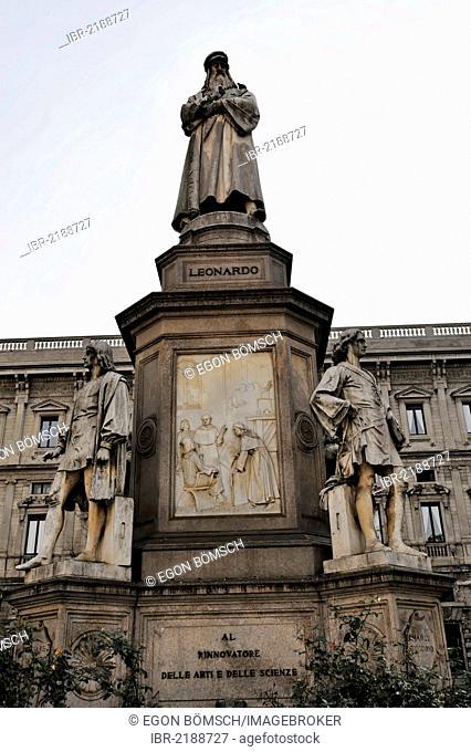 Monument by Pietro Magni, Leonardo da Vinci of 1872, Piazza della Scala square, Milan, Italy, Europe, PublicGround