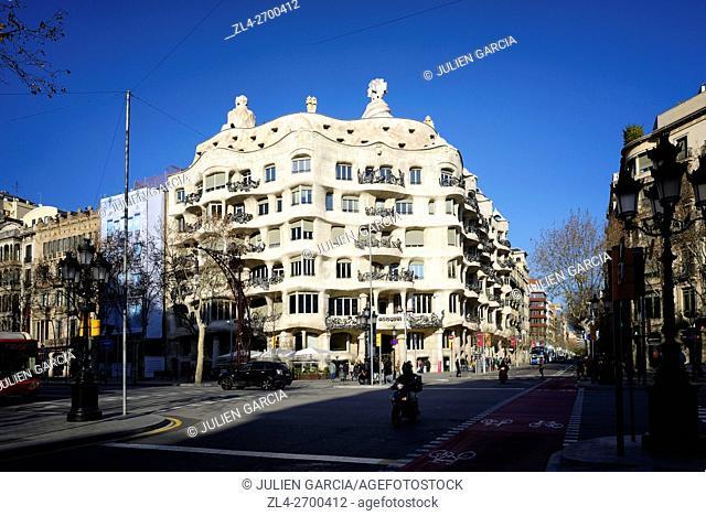 Spain, Catalonia, Barcelona, Passeig de Gracia, Casa Batllo (1906) by Catalan modernist architect Antoni Gaudi, listed as World Heritage by UNESCO