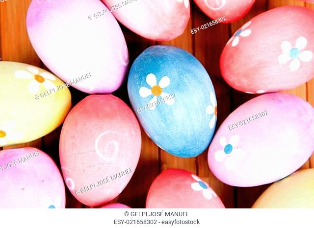 Easter eggs decorated with daisies
