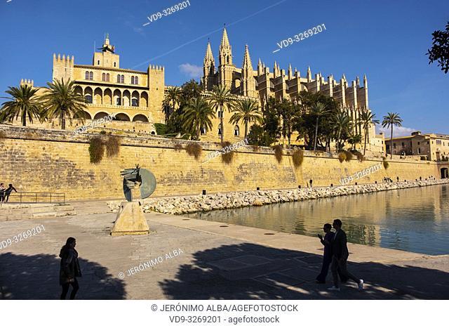 Cathedral La Seu, Parc del Mar and Royal Palace of La Almudaina, Palma de Mallorca. Majorca, Balearic Islands, Spain Europe