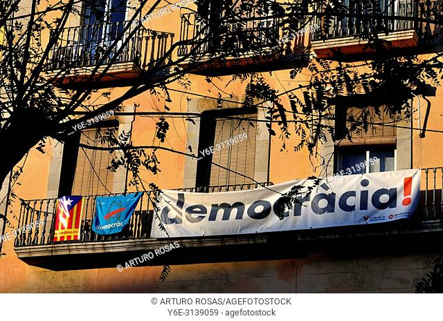 Banners and independence flag in Tarragona, Catalonia