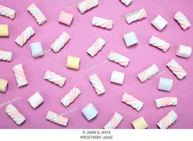 Patterns of sweet marshmallows