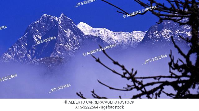 Dhampus Peak, Annapurna Range, Trek to Annapurna Base Camp, Annapurna Conservation Area, Himalaya, Nepal, Asia