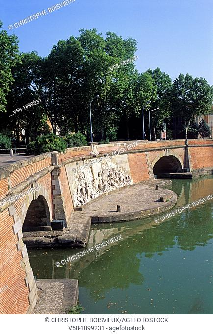 France, Haute Garonne, World Heritage Site, Toulouse, Canal du Midi, Ponts Jumeaux Twin bridges, Allegory of the union of the Atlantic ocean and the...
