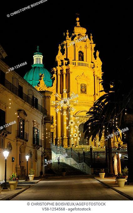 Italy, Sicily, Ragusa, Old Town Ragusa Ibla, World Heritage Site, Duomo San Giorgio at night