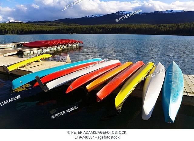 Canoes, Maligne Lake near Jasper, Jasper National Park, Alberta, Canada