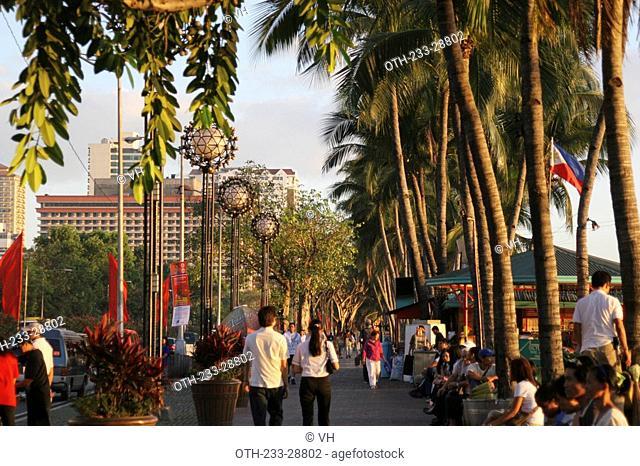People on Roxas Boulevard, Metro Manila, Philippines