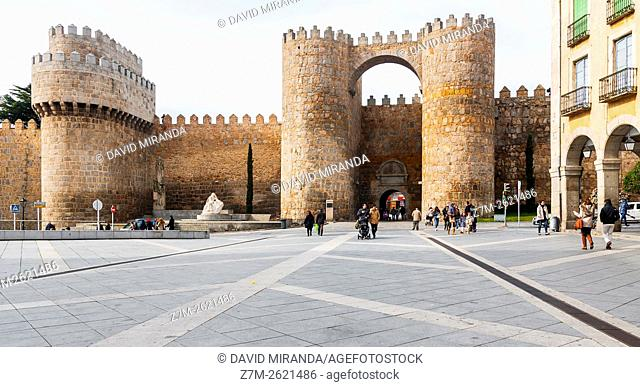 Puerta del Alcázar Gate, Medieval City Walls, Avila, Castile and Leon, Spain. UNESCO World Heritage Site