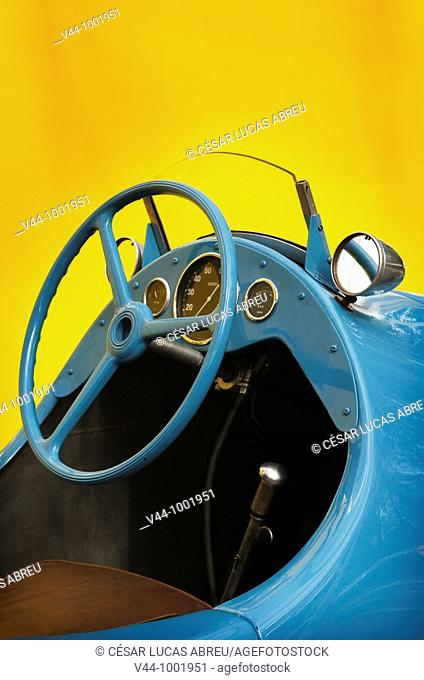 Gordini 11 de 1946 pilotado por Eric Leroy  Grand Prix de Pau Historique 2009, Francia  Patrocinado por Richard Mille