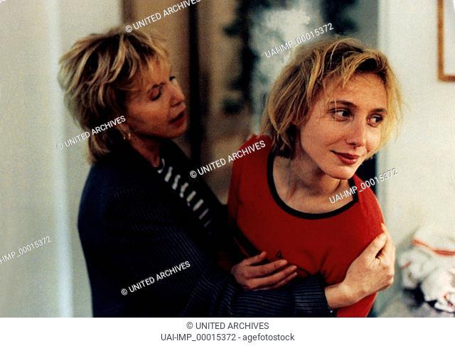 Irma Vep, (IRMA VEP) F 1996, Regie: Olivier Assayas, NATHALIE RICHARD (re)