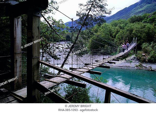 Swing bridge over the Makarora River, Haast Pass, South Island, New Zealand, Pacific