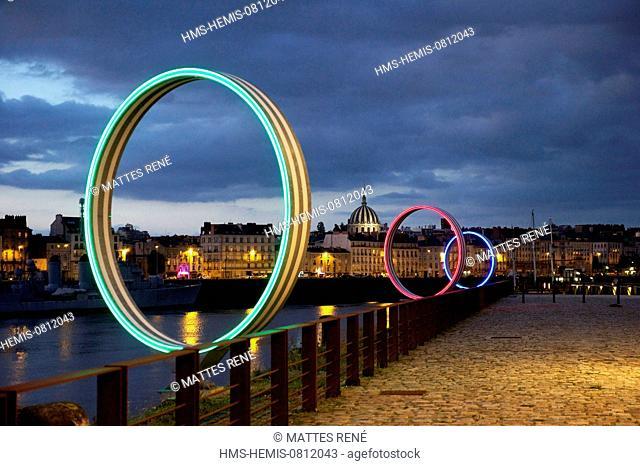 France, Loire Atlantique, Nantes, European Green Capital 2013, Ile de Nantes, quai des Antilles, Buren's rings on Loire River quays