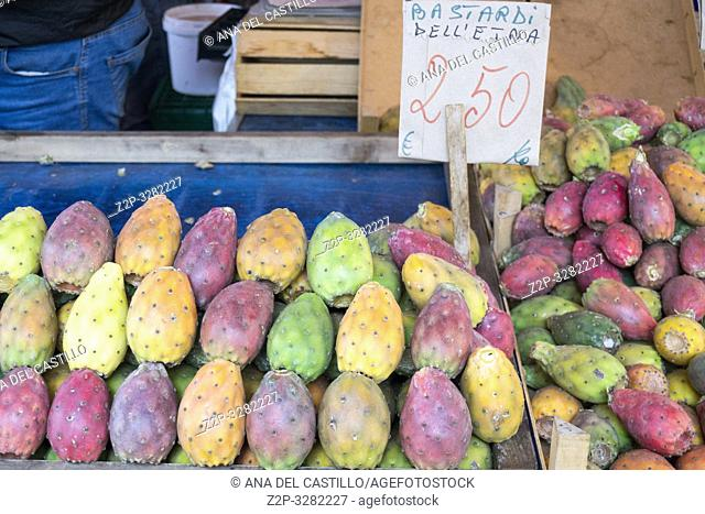 Ortygia (Siracusa), Sicily: Outdoor Market Stalls and Shoppers on October 13, 2018. Prickly pears on sale