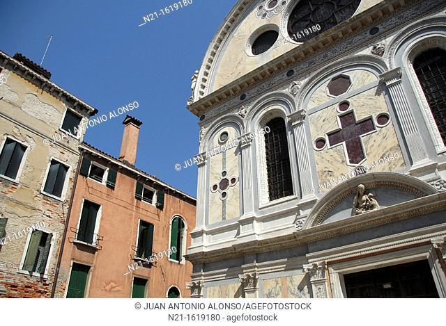 """Chiesa di Santa Maria dei Miracoli, also known as the """"marble church"""", Cannarégio sestiere, Venice, Veneto, Italy, Europe"""