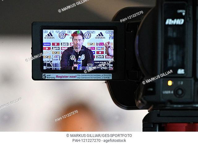 CAPTION CORRECTION: Assistant coach Marcus Sorg (Germany), feature, decorative image camera, film camera. GES / football / press conference / PK of the German...