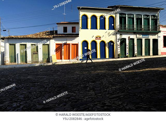 Brazil, Bahia, Lencois (Parque Nacional de Chapada Diamantina): Typical architecure and cobbled street in Lencois' charming centre