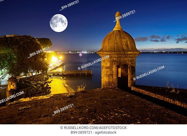 SENTRY BOX CITY GATE PASEO LA PRINCESA PROMENADE OLD TOWN SAN JUAN PUERTO RICO