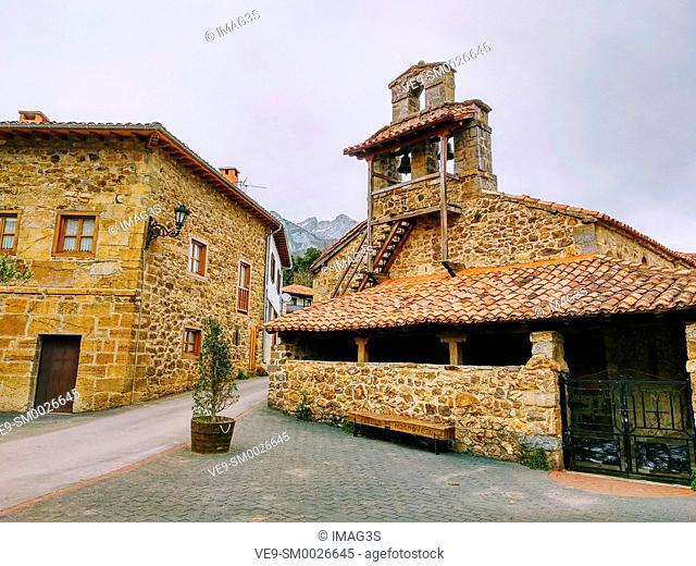 Mogrovejo church, Liébana valley, Picos de Europa National Park and Biosphere Reserve, Cantabria province, Spain