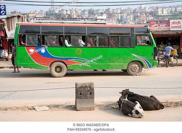 Street life and traffic in Kathmandu/Nepal.   usage worldwide. - Kathmandu/Nepal