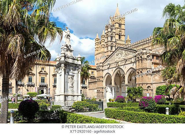 In the Piazza Cattedrale looking towards the Gothic portico and main entrance to The Cathedral in central Palermo, Sicily, Italy