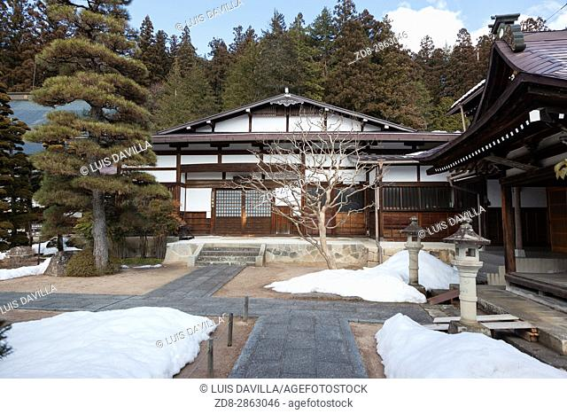 The Takayama temple trail is a little off the regular sightseeing track in the Teramachi district of the Higashiyama hills (eastern hills ? a named area in many...