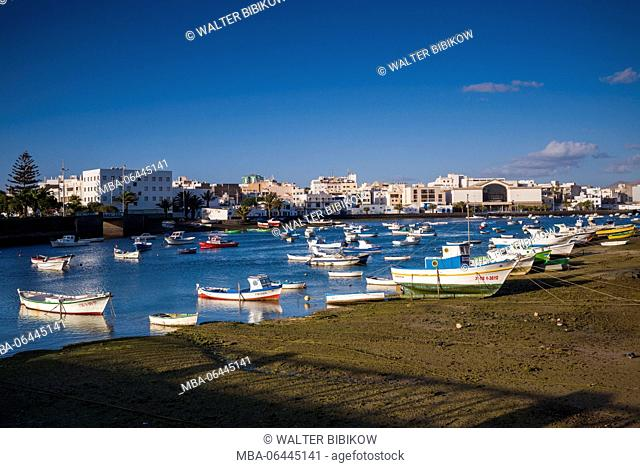 Spain, Canary Islands, Lanzarote, Arecife, Charco de San Gines, fishing boats, dawn