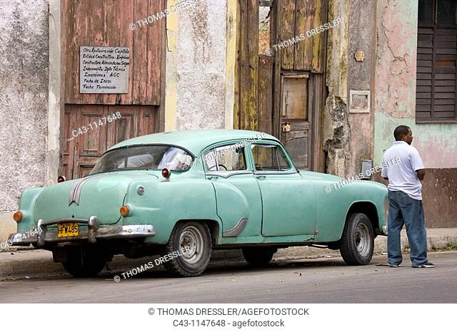 Cuba - US cars and road cruisers from the 1950s are a common sight in Cuba's capital Havana