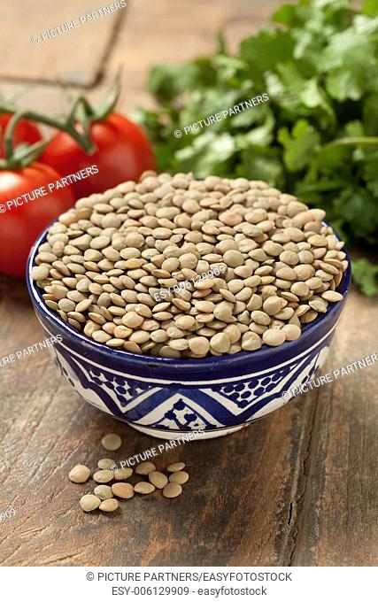 Brown lentils in a bowl