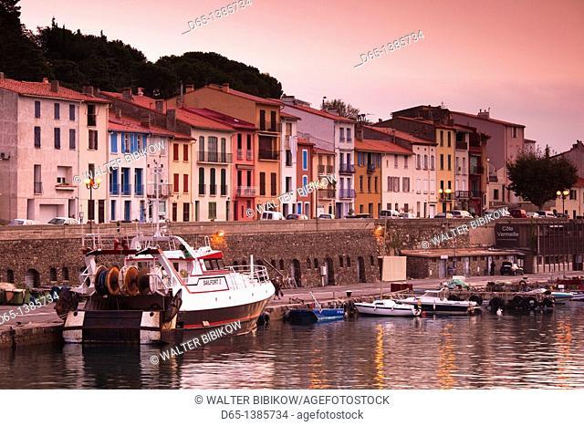 France, Languedoc-Roussillon, Pyrennes-Orientales Department, Vermillion Coast Area, Port-Vendres, harbor view, dawn
