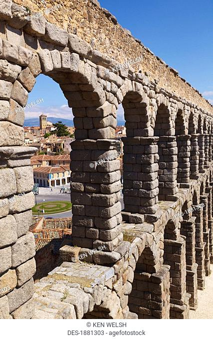 the roman aqueduct, a unesco world heritage site, segovia, segovia province, spain